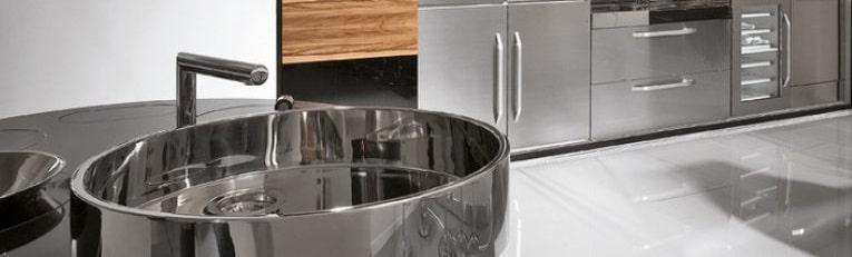 materiali per ristrutturare casa, acciaio in cucina.