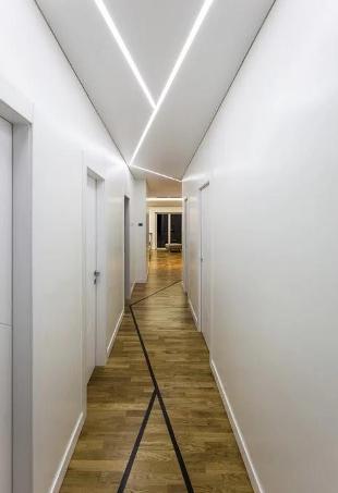 L'illuminazione di un corridoio.