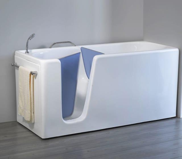 L'installazione di una vasca con sportello è uno degli interventi principali nel quadro di una ristrutturazione casa per disabili.