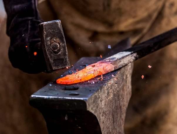 Il mestiere del fabbro è molto antico.