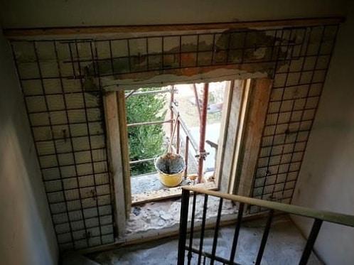 La cerchiatura di una finestra.