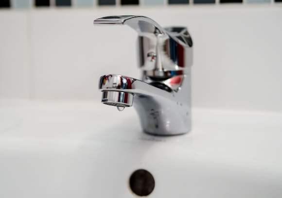 Perchè un rubinetto perde acqua e tutte le nostre indicazioni su come intervenire.